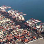 تخلیه ۵۰۰ هزار تن کالای اساسی در بندر شهید رجایی / ورود کشتی حامل ۶۶ هزار تن شکر به کشور
